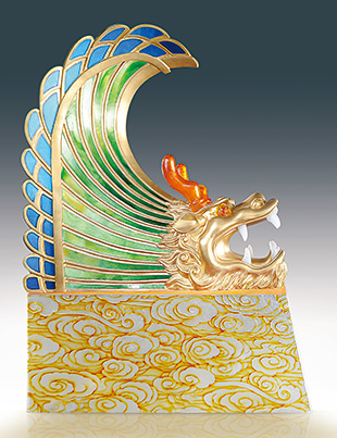 Dragon Kiss by contemporary glass artist Tingting Zhao